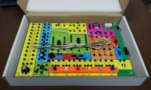 Elektronická stavebnice Saimon 1 v krabici